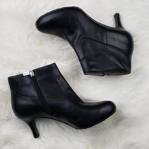 Rockport Black Leather Heeled Ankle Booties 8